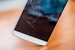 Breakthrough made in brittle smartphone screens [Image: Casarsa via iStock]