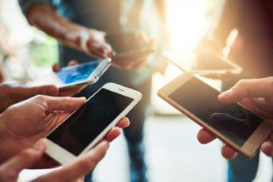 Average price of smartphones increasing, says new research [Image: PeopleImages via iStock]