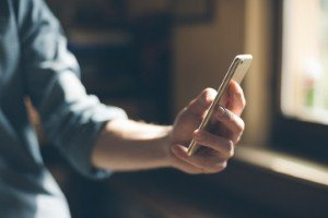 In-display fingerprint sensors 'to go mainstream in 2018' [Image: demaerre via iStock]