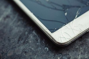 Can new glass offer more smartphone protection? [Image: Kkolosov via iStock]